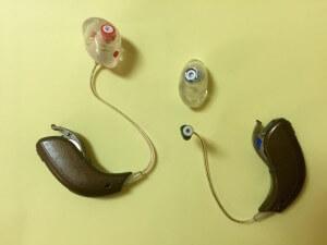 pulizia dell'apparecchio acustico
