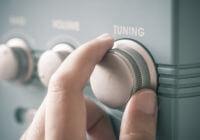 regolare il tuo udito con gli apparecchi acustici